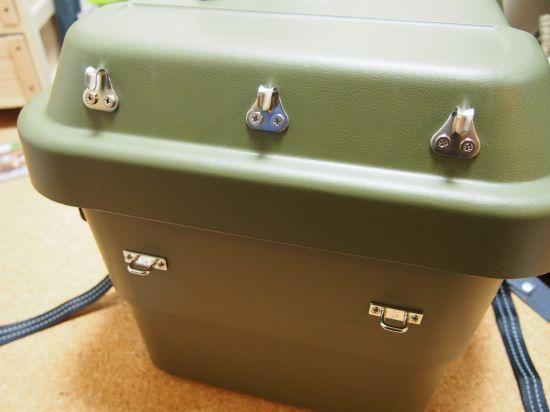 RVボックスをキャリアに取り付ける作戦【3】金具を付けるの巻