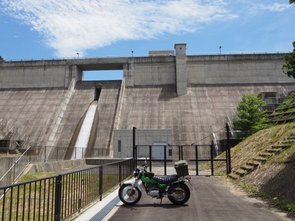 県道702号線沿い・京都の近くにある、みくまりダム【兵庫県】