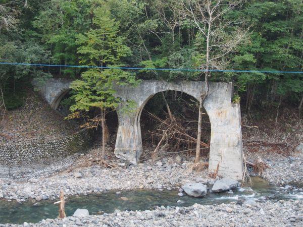 R237から見える橋梁