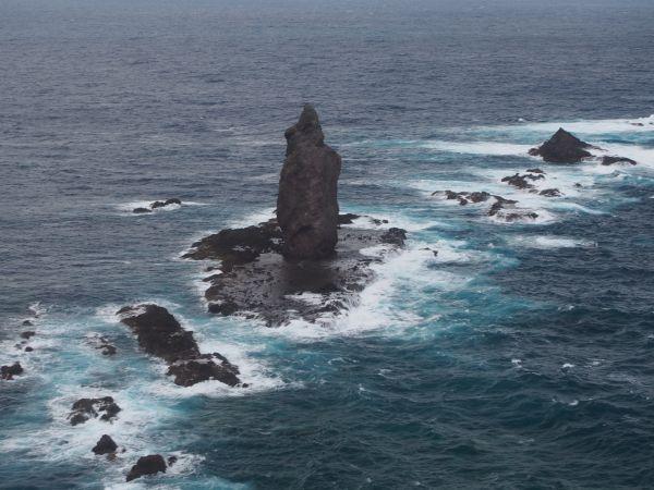 神威岬の先端から