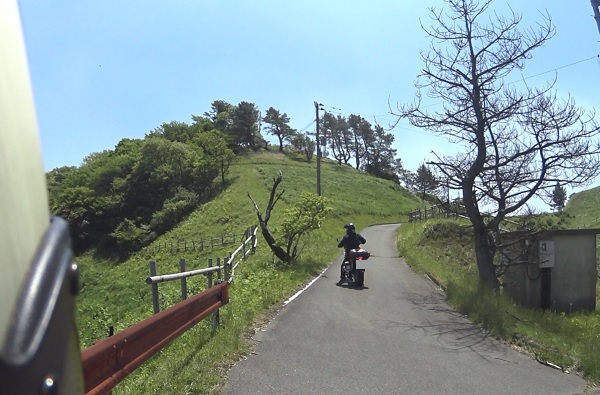 バイクで頂上まで行ける