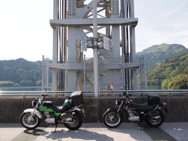 R494・黒森峠から早明浦ダムへ、twitterで話題になったドラゴンのダムカードもらったよ@四国ツーリング【5】