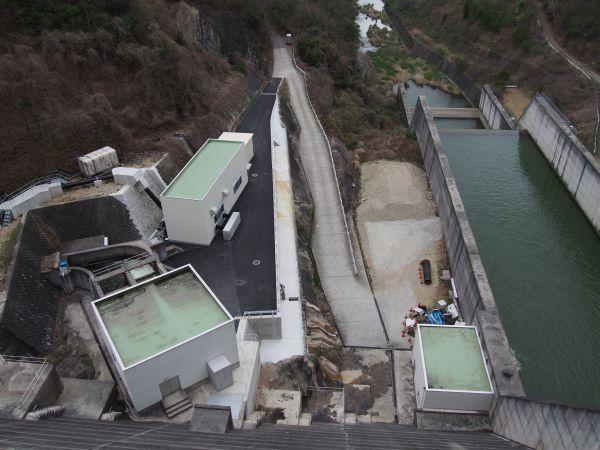 導水路により他のダムと結ばれている