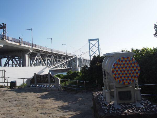 橋の下まで行ける