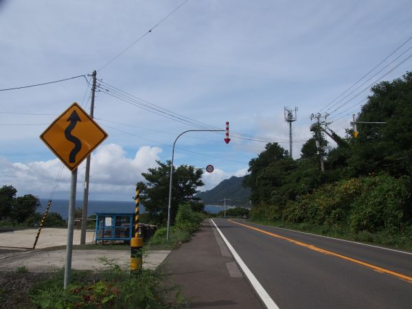 神威岬までの道