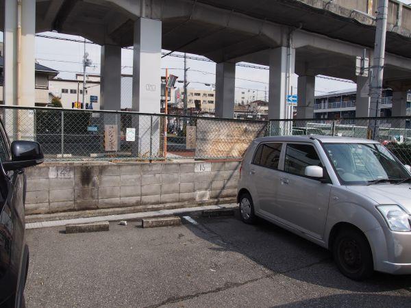 ジャンボ亭の駐車場