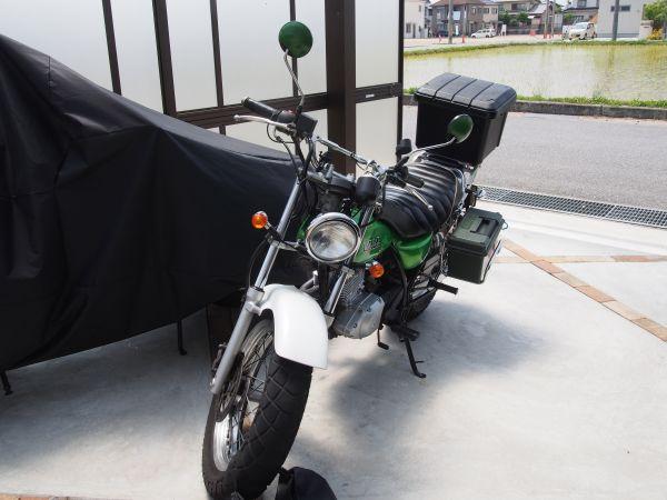 バイクのホムセン箱取付法【自転車用のグッズで着脱簡単固定】