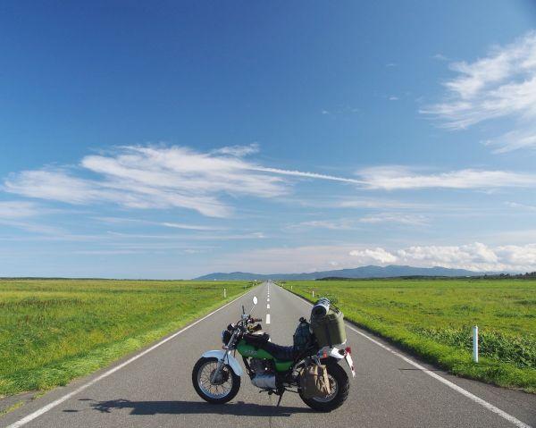 快晴のエサヌカ線@北海道の絶景ロード
